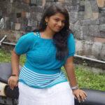 Sri Lanka Colombo Girl Shanthi Ratwatte Whatsapp Number Chat