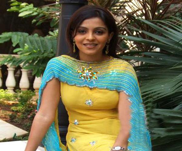 Gujarati Surat Girl Shivani Rathod Whatsapp Number Friendship Chat